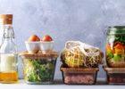 Дали го знаете рокот за консумирање јајца, месо, сирење и зготвена храна од фрижидерот?