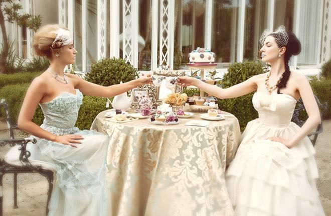 Marie-Antoinette-Inspired-Shoot-Let-Them-Eat-Cake