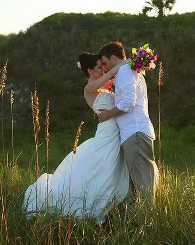 Wedding Couple Hug Photo