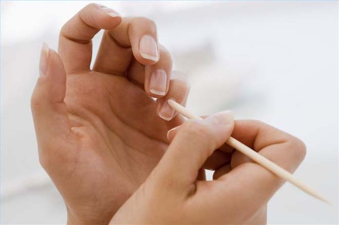 article-new-thumbnail-ehow-images-a04-61-tb-have-healthy-cuticles-800x800