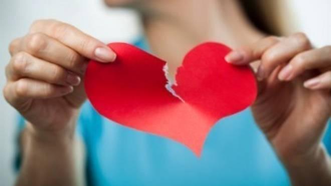 encourage-your-crush-to-break-up-with-creepy-facebook-app-5da8ee57dc