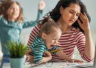 Шест трикови за мајките кои работат од дома